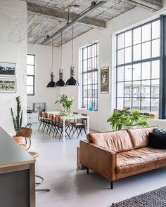 Deze gave industriele loft in een oud Philips fabriekspand is het huis van Lieke…