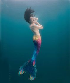 Finfolk Productions Facebook: Major props to @christelmermaid and @ralphwildshot for this graceful underwater shot. Custom silicone mermaid tail by @finfolkproductions