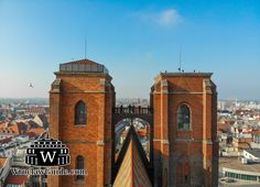 Have you been to the Penitents Bridge in Wroclaw, Poland? It is one of the coolest things to do in Wroclaw - the view is amazing. In our post about the 10 sightseeing things you should see in Wroclaw we will introduce you to it and show you much more! Stuff To Do, Things To Do, Poland Travel, Cultural Events, Walking Tour, Old Town, Perfect Place, Barcelona Cathedral, Travel Guide