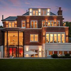 Amazing show home styled by @hugoridgeinteriors X