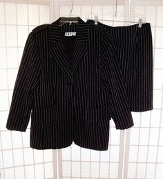J.R.T Sz 16 Black Pin Stripe Business Career Suit Skirt & Blazer Jacket #JRT #SkirtSuit