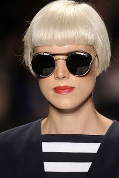 Agyness Deyn - androgynous beauty at its best.