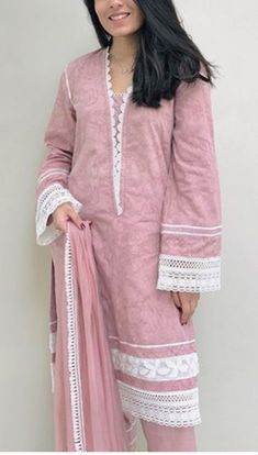 Girls Frock Design, Fancy Dress Design, Stylish Dress Designs, Beautiful Pakistani Dresses, Pakistani Dresses Casual, Pakistani Dress Design, Stylish Dress Book, Stylish Dresses For Girls, Sleeves Designs For Dresses