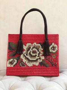 Bolsa canvas roja. Flor mexicana