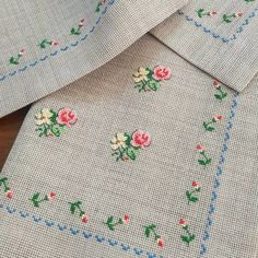 Nail Cross Stitch Rose, Cross Stitch Patterns, Hand Embroidery, Embroidery Designs … - DIY and Crafts Cross Stitch Pillow, Cross Stitch Bookmarks, Cross Stitch Heart, Cross Stitch Borders, Cross Stitch Alphabet, Cross Stitch Animals, Modern Cross Stitch, Cross Stitch Designs, Cross Stitching