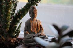 Купить Мини-фигурка Будды из бетона для флорариума и террариума - серый, фигурка, будда, для флористики, флорариум