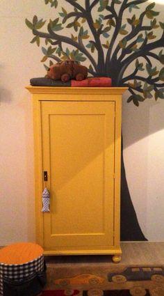 Strakke kast Bas, leverbaar in elke gewenste kleur. www.olijk.nl