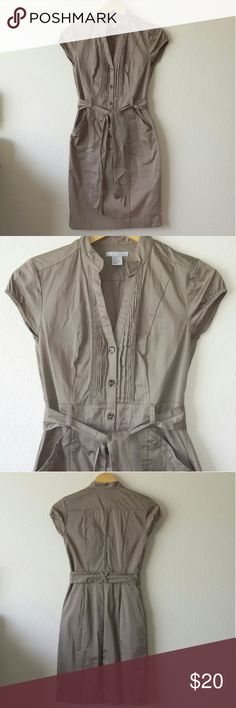 H&M tan dress Fitted tan H&M dress with cap sleeves and pockets. Reaches just above the knees. Comes with an attached sash. Worn once. In excellent condition. Size 4. H&M Dresses Midi