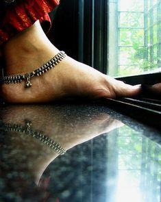 Anklet http://www.pinterest.com/robertaingram/estilo-de-la-india/