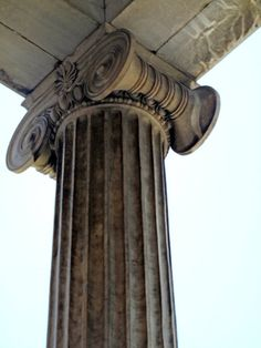 Columna jonica National Historical Museum, Home of the first Greek Parliament (designed by Francois Boulanger), Stadiou Str. Baroque Architecture, Beautiful Architecture, National Historical Museum, Ionic Order, Cad Models, Column Capital, Mycenae, Palace Interior, Old Commercials