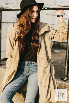 This season invest in a transitional outerwear layer to take you into spring. Photographer Bethany Olson wears her classic Gap hooded fishtail parka over her 1969 resolution true skinny high rise jeans. Shop new February outerwear arrivals.