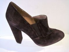 New Isola Brown Suede Closed Toe Womens Dress Pump Size 9 1/2M #Isola #PumpsClassics #Casual