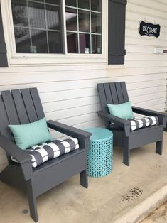 Exterior Patio Area Furniture for Great Houses – Outdoor Patio Decor Front Porch Chairs, Front Porch Seating, Front Porch Furniture, Small Front Porches, Home Furniture, Antique Furniture, Modern Furniture, Furniture Layout, Furniture Ideas