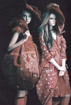 """voguelovesme: voguelovesme: """"So splendid and magic"""" photographed by Paolo Roversi for Vogue Italia March 2005"""