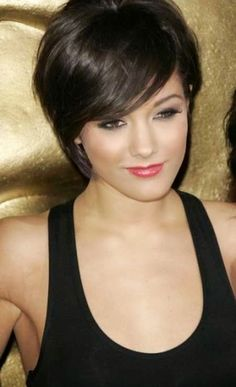 Best Hairstyles for Women with Thick and Short Hair