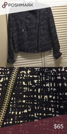 🚩FINAL PRICE🚩LIKE NEW Size L Gap MotoStyleJacket Asymmetrical, moto-style jacket. Textured cotton with canvas-y feel. Lightly lined- spring or fall jacket. Pattern is navy & white. with silver zipper details. Only worn once. GAP Jackets & Coats
