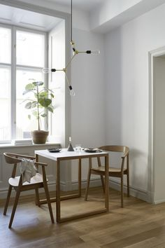 A Perfect 'Slow Living' Studio Apartment in Stockholm (Gravity Home) Apartment Color Schemes, Bright Apartment, Living Room Color Schemes, Apartment Living, Apartment Layout, Apartment Interior, Apartment Checklist, Apartment Design, Room Interior