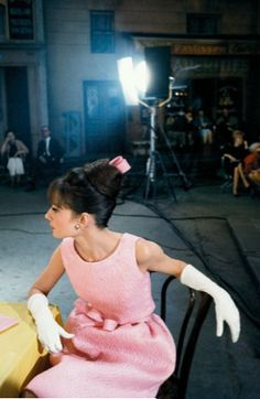 Audrey Hepburn on set in Breakfast at Tiffany's <3