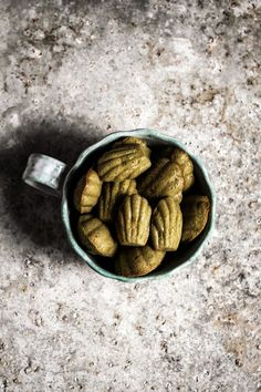 i added some matcha green tea to these madeleines it makes them a lovely green colour. Cookie Desserts, Just Desserts, Cookie Recipes, Delicious Desserts, Dessert Recipes, Green Tea Recipes, Sweet Recipes, No Sugar Diet, Galletas Cookies