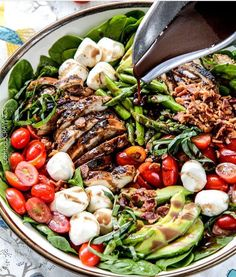 GRILLED CAPRESE CHICKEN SALAD WITH AVOCADO, BACON AND ASPARAGUS Made by @carlsbadcravings . INGREDIENTS Salad 1 ...