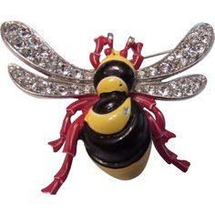 @rubylanecom Vintage 1940's Trifari Rhinestone Enamel Bumble Bee Brooch Pin Figural Insect Bug Unique mistake.. #rubylane