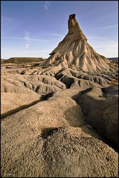 Bárdenas Reales    Navarra  Spain Beautiful Sites, Beautiful World, Pamplona, Game Of Thrones Locations, Deserts Of The World, Spain And Portugal, Andalusia, Spain Travel, Geology