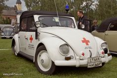 Medical version of the Hebmueller police car?