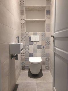Badezimmer: Ideen, Design und Bilder in 2019 Bathroom Red, Bathroom Toilets, Laundry In Bathroom, Modern Bathroom, Bathroom Ideas, Bathrooms, Wc Design, Toilet Design, Design Ideas