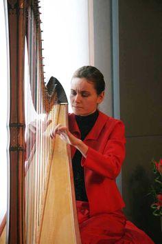 Harpist Letizia Belmondo at the Museo dell'arpa Victor Salvi