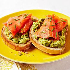 Smoked Salmon and Avocado on Rye #recipe for under 300 calories