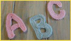 Crochet Tutorial for Each Letter in Alphabet - Design Peak Crochet Alphabet Letters, Crochet Letters Pattern, Letter Patterns, Crochet Motifs, Crochet Stitches, Free Crochet, Crochet Daisy, Crochet Granny, Dishcloth Crochet
