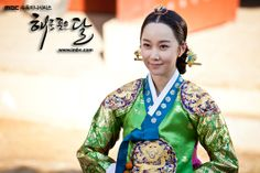 Korean drama [Moon Embracing the Sun] = 윤보경왕후[Queen young Bo-kyung]김민서 [Kim Min-seo]
