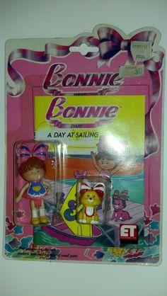 AAWWWWW yo las tenia todas!!!! amaba estas muñequitas.