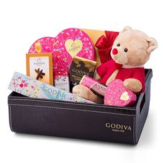 Delight your beloved with this romantic gift set featuring the limited-edition collectible Godiva 2016 Valentine Bear paired with an abundance of Godiva chocolates.