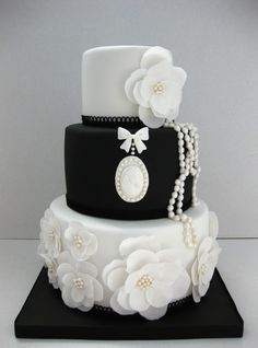 Wedding cakes with a difference! : Wedding Cakes With A Wedding cakes with a difference! Build your own wedding,Celebrity wedding cakes,Wedding cake designs Black White Cakes, Black And White Wedding Cake, White Wedding Cakes, Beautiful Wedding Cakes, Gorgeous Cakes, Pretty Cakes, Cute Cakes, Amazing Cakes, Gold Wedding