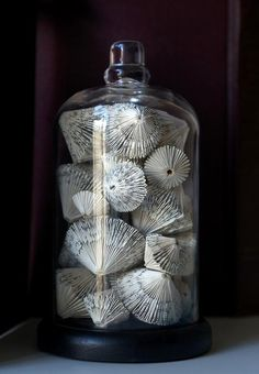 Repurpose book pages to fill a jar. This looks like fans or shells. === little notepads for little baubles or bind some excess paper (perfect binding) Folded Book Art, Paper Book, Book Folding, Paper Art, Paper Crafts, Cut Paper, Paper Folding, Old Book Crafts, Book Page Crafts