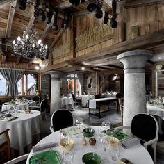 The 3-star Michelin hotel restaurant La Bouitte is not to be missed by food enthusiasts. Always on a quest for ultimate excellence and located in the Saint-Marcel ski slopes in Saint-Martin de Belleville.   Photo from google  #france #labouitte #restaurant #traveltomax   Report by @isabeljarnstrom