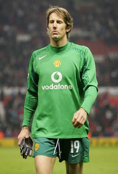 Edwin van der Sar of Manchester United looks disappointed at the final whistle of the UEFA Champions League match between Manchester United and Villarreal at Old Trafford on November 2005 in. Get premium, high resolution news photos at Getty Images Manchester United Players, Manchester England, Soccer Stars, Old Trafford, Uefa Champions League, Goalkeeper, Disappointed, Football Players, Legends