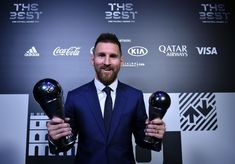 Barcelona's Lionel Messi won the best men's player at the Best FIFA Football Awards in Milan as Juventus' Cristiano Ronaldo and Liverpool's Virgil van Dijk m. Manchester City, Manchester United, Football Awards, Fifa Football, World Football, Goat Football, Football Players, Antonella Roccuzzo, Cristiano Ronaldo