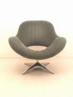 Anonymous; Chromed Metal Swivel Chair by Rohe Noordwolde, 1960s.