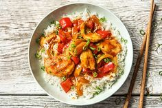 Chicken Recipes Sweet-sour chicken with red pepper, roasted sesame and jasmine rice Healthy Chicken Recipes, Rice Recipes, Asian Recipes, Healthy Dinner Recipes, Sweet And Sour Recipes, Hello Fresh Recipes, Vegetarian Sweets, Sweet Sour Chicken, Fresh Chicken