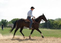 Veteran trainer Add Waddell discusses how he to correct problems if your horse is anticipating the turn.