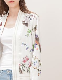 At Stradivarius you'll find 1 Bomber oriental estampada for woman for just 599 MXN . Visit now to discover this and more CHAMARRAS.