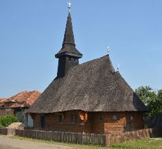 Biserica de lemn din Saca House Styles, Romania, Building, Beautiful, Design, Home Decor, Decoration Home, Room Decor, Buildings