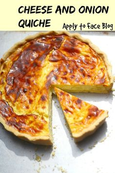 Easy Cheese and Onion Quiche Cheese and Onion Quiche. This is an amazingly delicious Quiche. So simple to bake and just perfect for Summertime eating. Vegetarian Quiche, Vegetarian Recipes, Cooking Recipes, Pizza Recipes, Onion Recipes, Pastry Recipes, Potato Recipes, Veggie Recipes, Keto Recipes