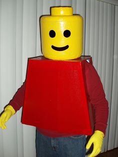 How to Make a LEGO Costume. If you're feeling crafty before Halloween and want to make something that's easily recognizable, a life-sized LEGO figurine is an easy costume you can make at home. To make yourself into a LEGO person, all you. Easy Homemade Halloween Costumes, Top 10 Halloween Costumes, Halloween Crafts, Women Halloween, Funny Halloween, Halloween Cosplay, Lego Man Costumes, Diy Costumes, Costume Ideas