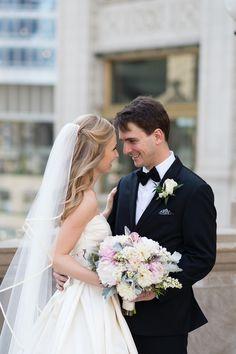 Photography: Emilia Jane Photography - EmiliaJanePhotography.com  Read More: http://www.stylemepretty.com/2014/09/18/elegant-museum-wedding-in-chicago/
