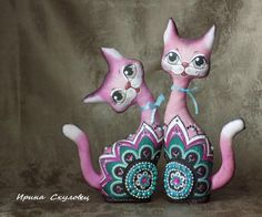 A list on fabric. Vase Crafts, Paper Mache Crafts, Clay Crafts, Decor Crafts, Paper Mache Animals, Arte Country, Polymer Clay Dolls, Paper Clay, Bottle Art