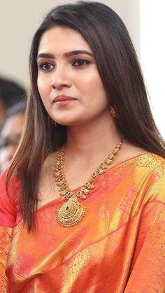 Beautiful Girl Photo, Beautiful Girl Indian, Most Beautiful Indian Actress, Beautiful Saree, Most Beautiful Women, Beautiful Actresses, Cute Beauty, Beauty Full Girl, Beauty Women