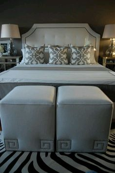 #choiceisyours #inspiration #hisstyle Gray bedroom - MATCHING PILLOWS